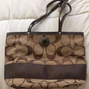 Medium size Coach handbag